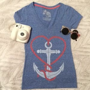 Love by the ocean graphic tee
